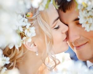 Как зарождается первое чувство любви: обоняние поможет определить того, с кем душа в душу можно прожить всю жизнь.