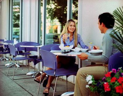 Первое свидание в традициях разных стран